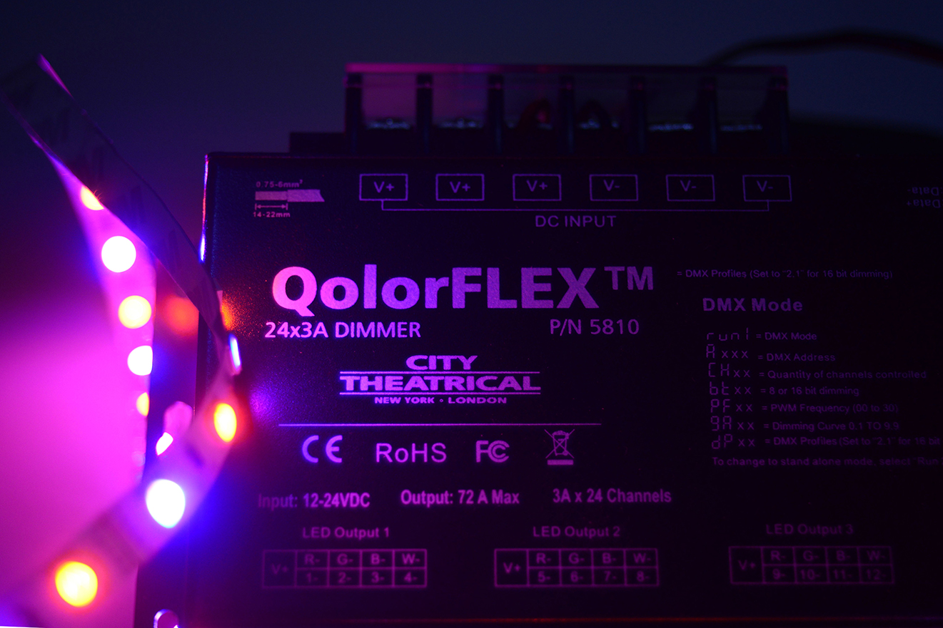 QolorFLEX 24x3A Dimmer (5810) with QolorFLEX LED tape