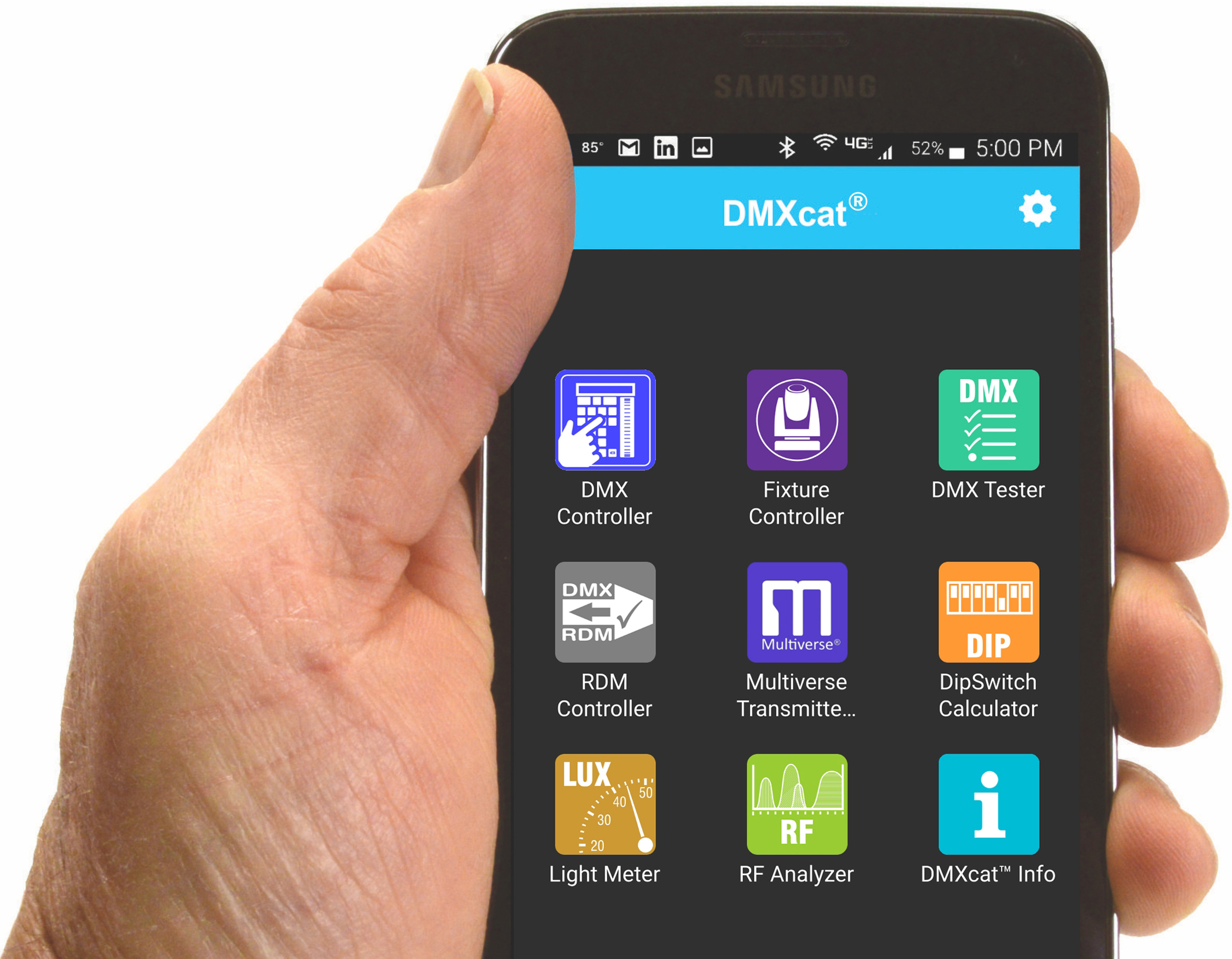 Holding the DMXcat app while connected to a Multiverse Transmitter